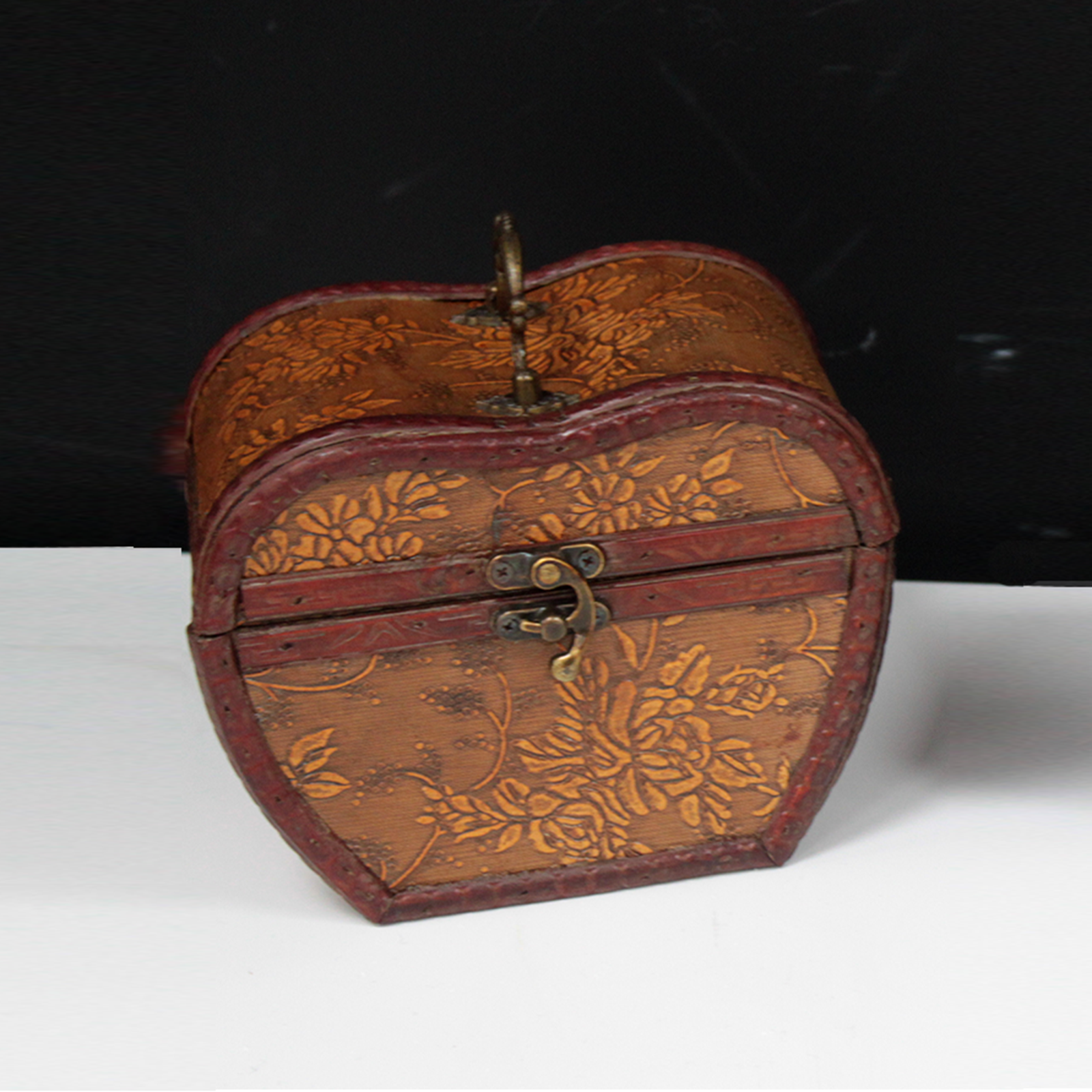 Apple 1920's Style Box